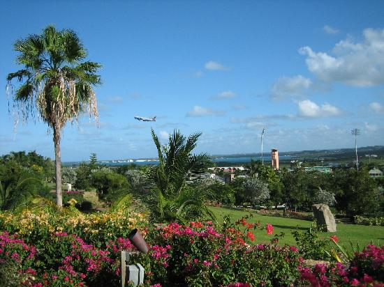 LambLion Holiday Apartments: Antigua Airport Gardens