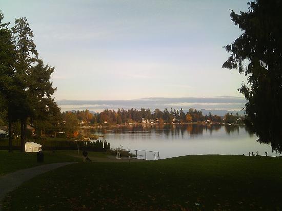 Angle Lake Park: lake & mountain view