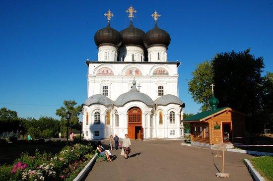 Kirov, Russland: Успенский Трифонов монастырь
