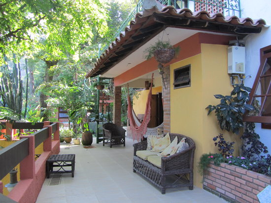 O Veleiro Bed and Breakfast: Front Deck area