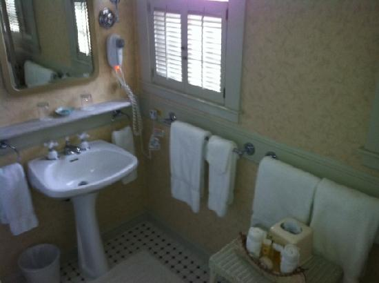 The Sagamore Resort: Bathroom