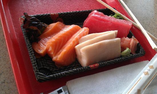 Fusion Bistro Sushi and Sake Bar: delicious sashimi