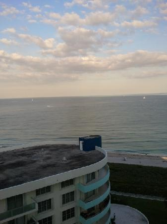 Seacoast Suites Hotel: Ocean view balcony