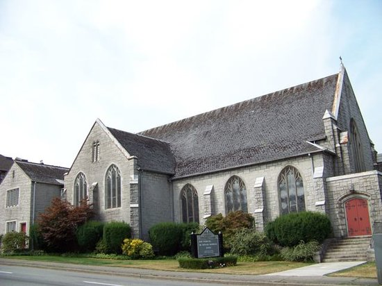 ‪Canadian Memorial United Church‬