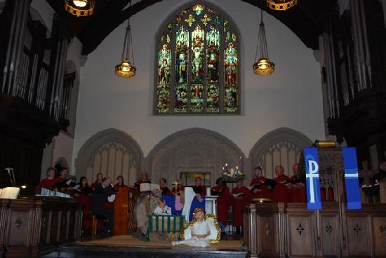 Canadian Memorial United Church: Beautiful interior