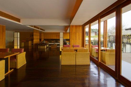 Anantara Chiang Mai Resort: Kasara Lounge