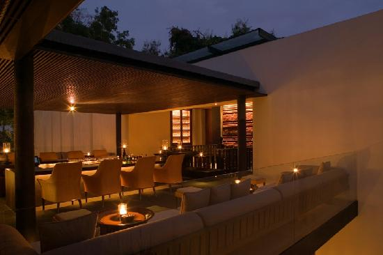 Anantara Chiang Mai Resort: The Terrace Bar and Cigar Lounge