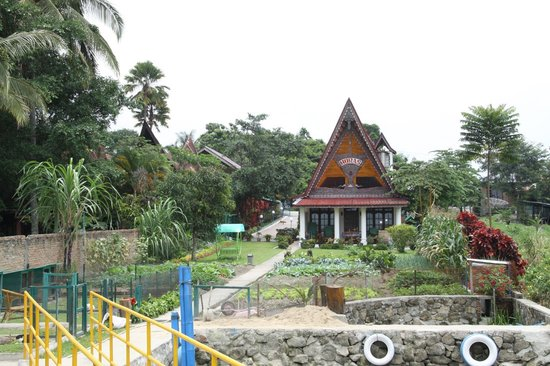Horas Family Home, Samosir Resort