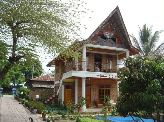 Horas Family Home: Horas Indah, Samosir Resort