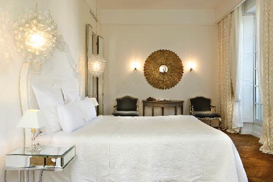 Saint James Paris - Relais et Chateaux : Chambre Deluxe / Deluxe room