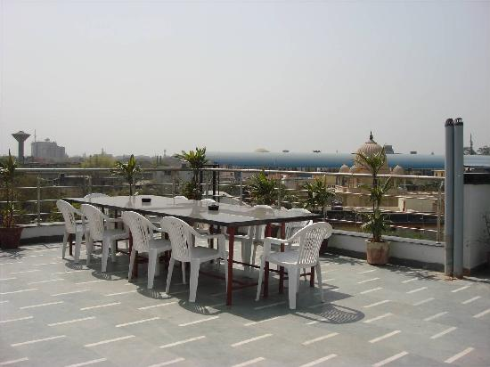 Hotel Star Plaza: Rooftop resturant