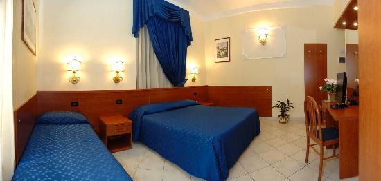 Arco Romano Rooms: CAMERA TRIPLA