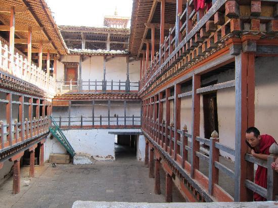 Wangdue Dzong: Monks living quarters