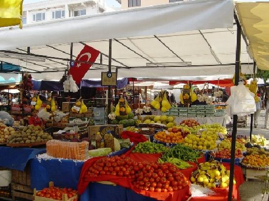 Terrace Houses Sirince: Saturday market