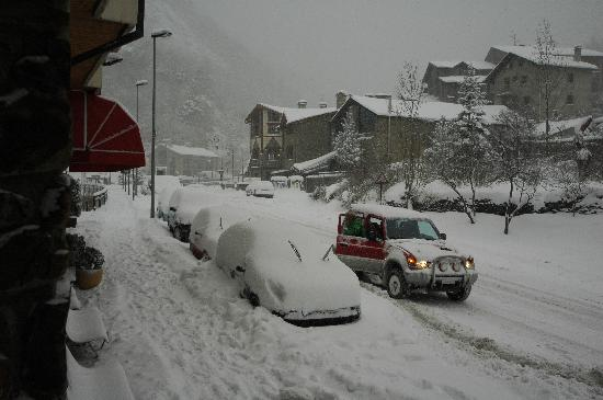 Hotel Palarine : Hotel Doorstep Winter Snow