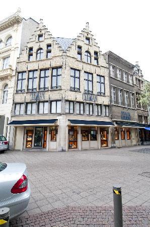Colman Antwerpen, Eiermarkt 7.