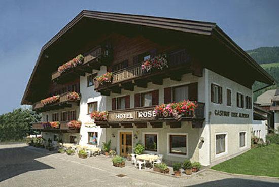 Hotel Rose: Hotelansicht Sommer