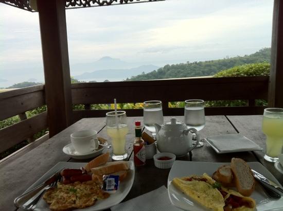 โรงแรมเดอะท็อดดอร์: breakfast with a view