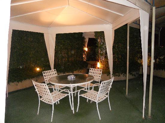 Daniel's Apart Hotel: Terrace