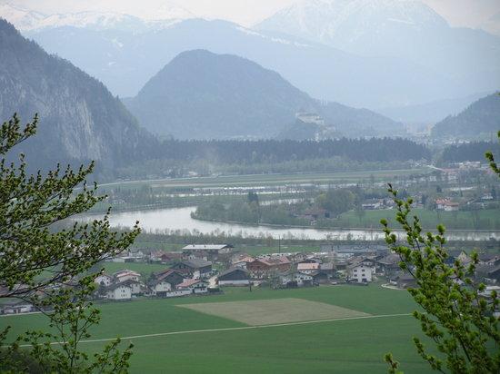 Ebbs, Austria: Blick in Richtung Kufstein und Inn