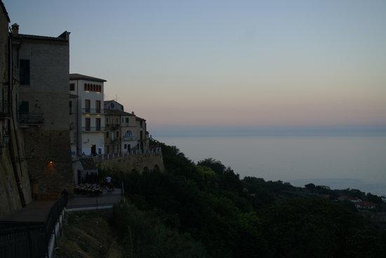 Vasto, إيطاليا: Loggia Amblingh