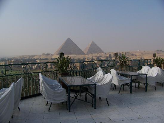 Delta Pyramids Hotel: la vista dal ristorante all'ultimo piano