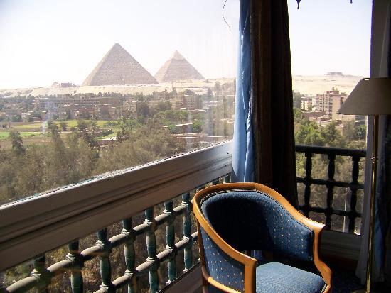 Delta Pyramids Hotel: la vista dalla camera,ma dal vero è +++++