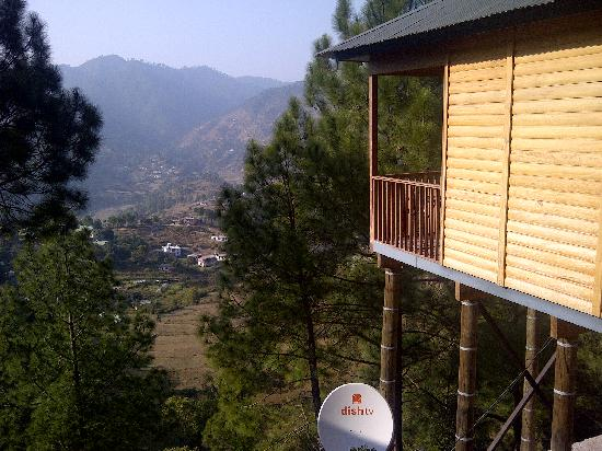 Binsar, Ινδία: The hanging house
