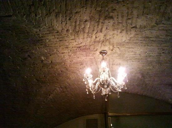 Ristorante Borgo Antico : Il lampadario elegante