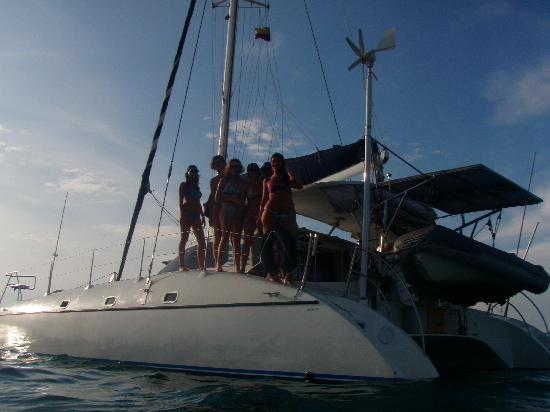 Kanowa Travel: catamaran