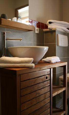 Hôtellerie Kouros : Salle de bain