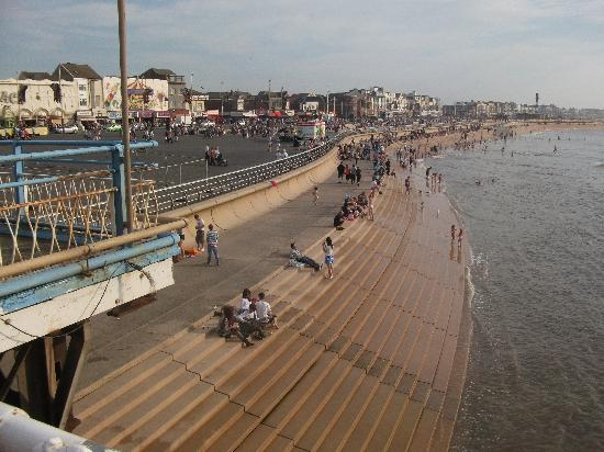 Blackpool New Beach Picture Of Queens Hotel Blackpool Tripadvisor