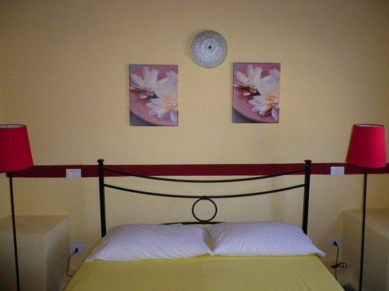 Residence Colline Del Sole: camera