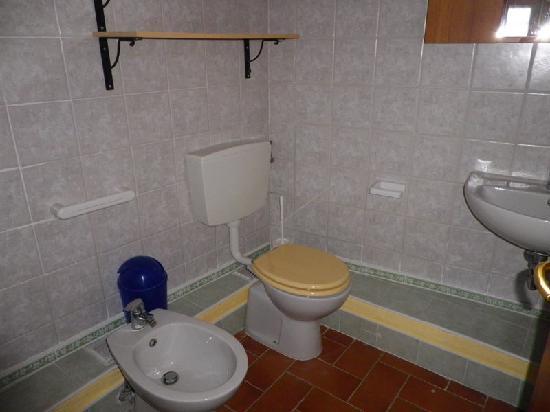Residence Colline Del Sole: bagno