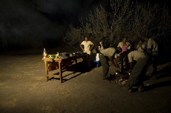 Linyanti Bush Camp : this camp operates with minimum technology, and no electricity is avalaible, yet light is provid