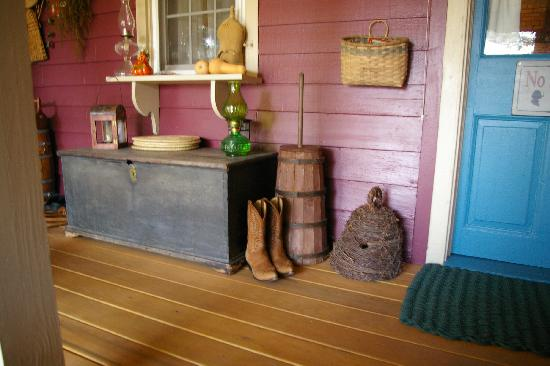 Zoar School Inn Bed and Breakfast: Kick off Your Boots and Relax with Us!