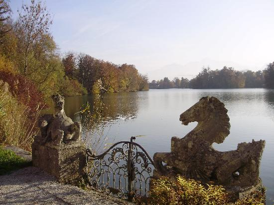 Hotel Schloss Leopoldskron: View of the lake