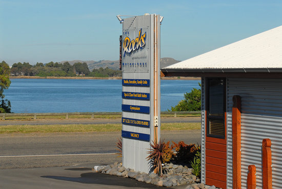 At the Rocks Motor Lodge: Estuary view