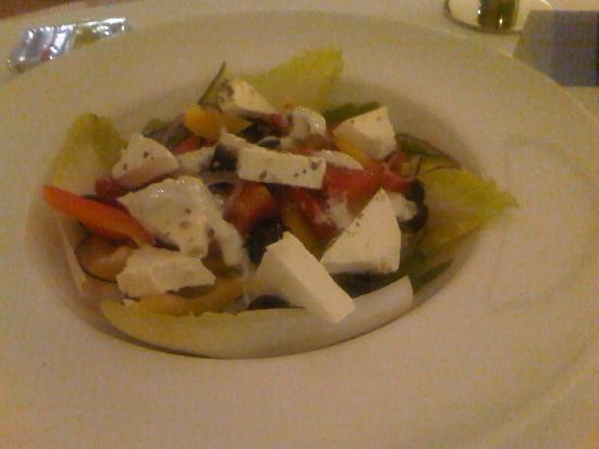 Hilton Warsaw Hotel & Convention Centre: Griechischer Salat