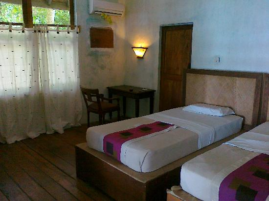Alam Kotok Island Resort: the bed room