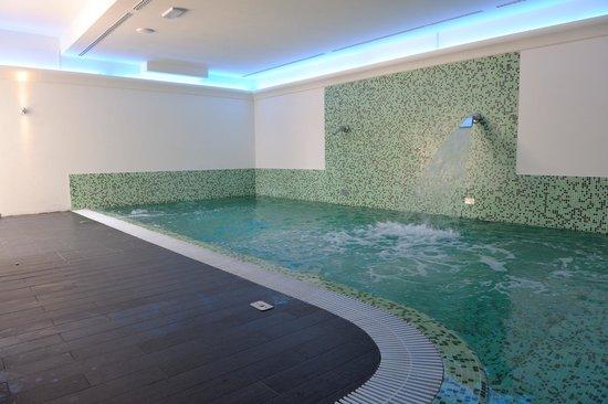 Hotel Giardino Suites & Spa: Piscina centro benessere