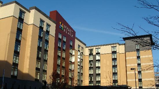 Hyatt Place Pittsburgh-North Shore: Hotel front