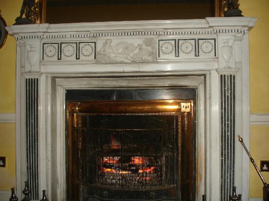Mount Juliet Estate Kilkenny : Fireplace in lounge