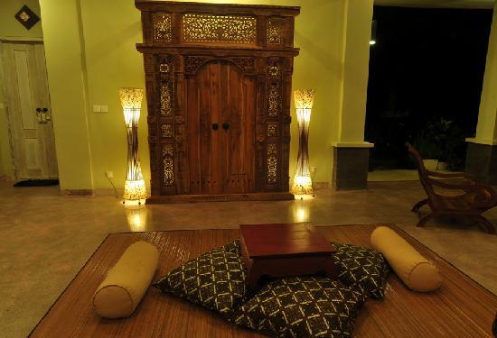 Surya Shanti Villa: Salon