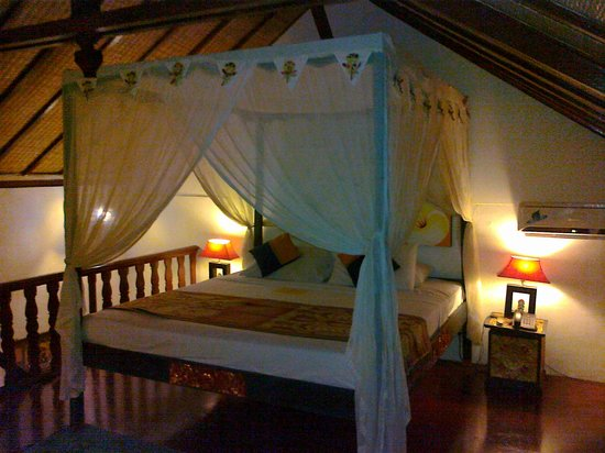 Hotel Puri Cendana: the wonderful bed