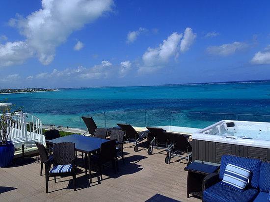 Windsong Resort: Rooftop Terrace