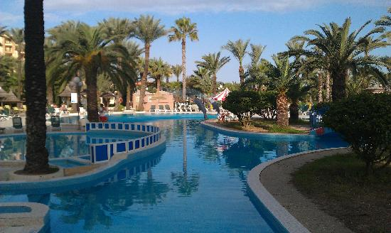 Riadh Palms Hotel: The Stunning Pool