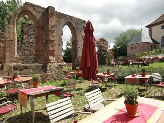 Kloster Hornbach: Innenhof