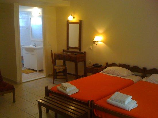 Hotel Ikaros: room for 2 pax