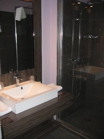 Safari Hotel: salle de bain